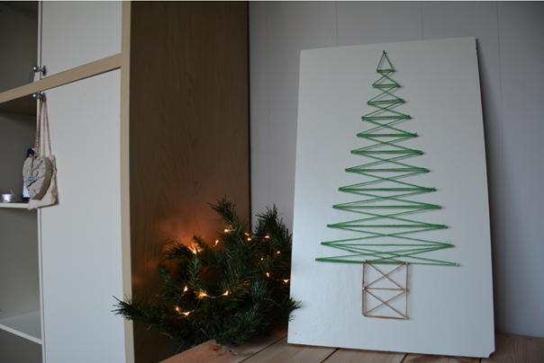 bord met kerstboom af